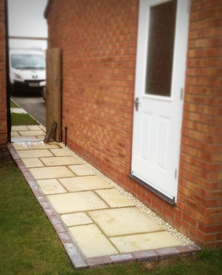 Brick Edge Path Riven Flag Stones