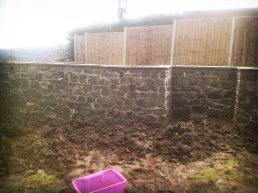 Monmouth Natural Stone Retaining Wall Raised Patio Pond